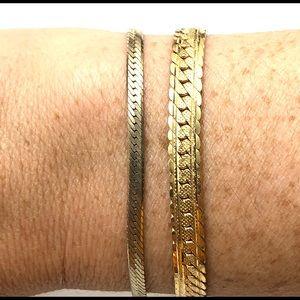 💛💛 Two vintage gold tone bracelets 💛💛
